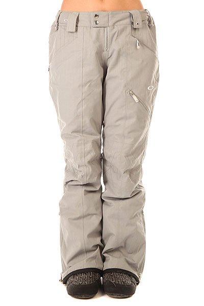 Штаны сноубордические женские Oakley Haver Pant Stainless SteelИдеальные штаны, которые подойдут для любого райдера. Штаны имеют регулируемую талию для комфортной посадки, а вентилируемые молнии на внутренней стороне бедра помогут регулировать температуру в зависимости от погодных условий.Технические характеристики: Мембрана Hydrogauge™ 15 разработана для катания на сноуборде в самых жестких погодных условиях.Критические швы проклеены.Зауженный крой.Карманы для согревания рук.Вентиляционные отверстия на внутренней стороне бедра.Регулировка талии.Молния на манжетах.Эластичные гетры Lycra®.Система крепления к куртке.<br><br>Цвет: серый<br>Тип: Штаны сноубордические<br>Возраст: Взрослый<br>Пол: Женский
