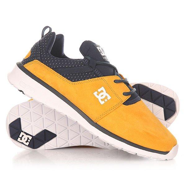 Кроссовки DC Shoes Heathrow Se Navy/GoldКоманда DC представляет новую&amp;nbsp;линейку моделей Heathrow, созданную для молодых людей, ведущих активный образ жизни. Дизайнеры DC вдохновлялись практичными моделями кроссовок и представили свой вариант того, как должна выглядеть&amp;nbsp;стильная и удобная&amp;nbsp;повседневная обувь.&amp;nbsp;Характеристики:Низкопрофильный дизайн. Уплотнённые язычок и область лодыжки. Петелька на пятке для удобного обувания. Эргономичный крой ботинка. Усиленный носок. Промежуточная подошва&amp;nbsp;UniLite для дополнительного комфорта и поддержки стопы. Стелька&amp;nbsp;OrthoLite обеспечивает хорошую амортизацию. Прочный верх из замши. Подкладка из текстиля.Подошва из EVA.<br><br>Цвет: оранжевый,синий<br>Тип: Кроссовки<br>Возраст: Взрослый<br>Пол: Мужской