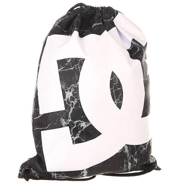 Мешок DC Simpski Marble PrintБыстро, просто и удобно! Лаконичная сумка-мешок на шнурках, снабженная внутренним карманом – незаменимая вещь для тех, кто не любит носить большие полупустые рюкзаки. Характеристики:На шнурках. Крупный логотип на фронтальной стороне.<br><br>Цвет: белый,черный<br>Тип: Мешок<br>Возраст: Взрослый