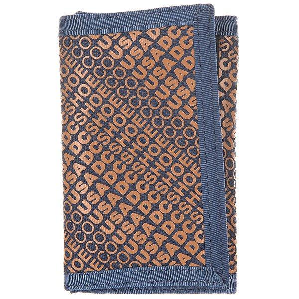 Кошелек DC Ripstop 7 Varsity BlueПрактичный стильный кошелек от DC. Удобный трехсекционный дизайн делает эту модель весьма компактной, но при этом вместительной, а сзади есть карман на молнии для мелочи.Характеристики:Кошелек на липучке. Три секции.Задний карман на молнии. Крепкие двойные швы.<br><br>Цвет: синий,оранжевый<br>Тип: Кошелек<br>Возраст: Взрослый<br>Пол: Мужской