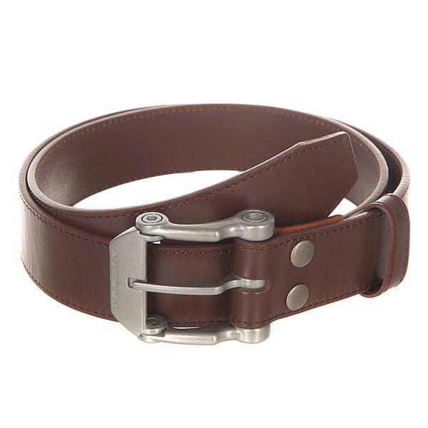 Ремень Oakley Leather Belt Earth BrownРемень Oakley Leather Belt отлично подойдет к любому гардеробу и добавит в него стильную изюминку.Характеристики:Материал:кожа. Металлическая пряжка-застежка.<br><br>Цвет: коричневый<br>Тип: Ремень<br>Возраст: Взрослый<br>Пол: Мужской