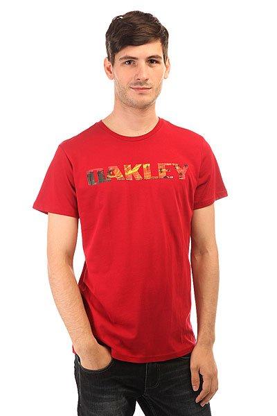 Футболка Oakley Boardwalk View Tee Crimson<br><br>Цвет: красный<br>Тип: Футболка<br>Возраст: Взрослый<br>Пол: Мужской
