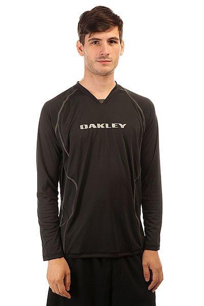 Термобелье (верх) Oakley Chop 2.0 Ls Tee Jet BlackБыстросохнущая и поглощающая влагу футболка по-настоящему незаменима для спортсмена.Характеристики:Быстросохнущий материал. Дышащие вставки для вентиляции.Универсальная ткань O Hydrolix. Гладкие эргономичные швы. Длинный рукав.Фирменный принт на спине и груди.<br><br>Цвет: черный<br>Тип: Термобелье (верх)<br>Возраст: Взрослый<br>Пол: Мужской