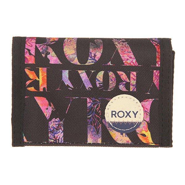 Кошелек женский Roxy Small Wllt Ax Small Corawaii BlackМаленький складной кошелек для женщин в ярком дизайне от Roxy.Технические характеристики: Маленький размер.Текстиль с принтом.3 секции.Карман для монет на молнии.Слоты для карточек.Отделение для купюр.Застежка на липучке Velcro.Нашивка с логотипом Roxy.<br><br>Цвет: черный,мультиколор<br>Тип: Кошелек<br>Возраст: Взрослый<br>Пол: Женский