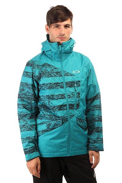 Куртка Oakley Tucker Jacket Enamel BlueУтепленная куртка с водонепроницаемой защитой для активного зимнего отдыха с удовольствием.Технические характеристики: Дышащая, прочная и водонепроницаемая мембрана Hydrogauge™ 10.Подкладка - полиэстер.Утеплитель Thinsulate™.Критические швы проклеены.Манжеты с регулировкой на липучках.Вентиляционные отверстия на молнии.Карманы для рук.Карман для маски.Медиа карман.Фиксированная снежная юбка.Подол с регулировкой.<br><br>Цвет: голубой<br>Тип: Куртка утепленная<br>Возраст: Взрослый<br>Пол: Мужской