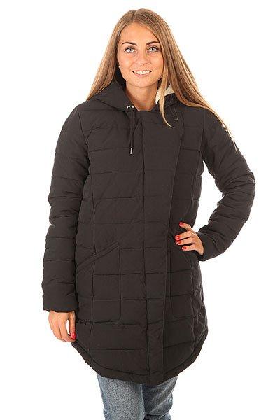 Куртка зимняя женская Roxy Indi J Jckt True BlackОптимальное по длине и аккуратное по форме, пальто Roxy Indi представляет приятный набор характеристик, которые позволят даже в самые ненастные дни оставаться в сухости, тепле и комфорте. Оригинальная асимметричная застежка, подкладка из шерпа-флиса в области верхней части тела и капюшона, вместительные карманы и водоотталкивающая пропитка ткани - будьте уверены, что даже самые неприятные дни межсезонья подарят Вам уютное настроение и позволят с комфортом наслаждаться прогулками. Характеристики:Прямой крой. Полукруглый подол.Просторный регулируемый капюшон. Вместительные боковые карманы.Подкладка из шерпа-флиса в области верхней части тела и капюшона.Асимметричная застежка молнии. Водоотталкивающая пропитка верха.Нашивка Roxy.<br><br>Цвет: черный<br>Тип: Куртка зимняя<br>Возраст: Взрослый<br>Пол: Женский