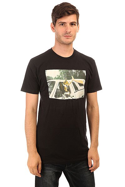 Футболка Analog Pla Dog High BlackМужская футболка свободного кроя из натурального хлопка.Технические характеристики: Свободный крой.Короткие рукава.Классический круглый вырез на воротнике.Крупный фото принт на груди.<br><br>Цвет: черный<br>Тип: Футболка<br>Возраст: Взрослый<br>Пол: Мужской