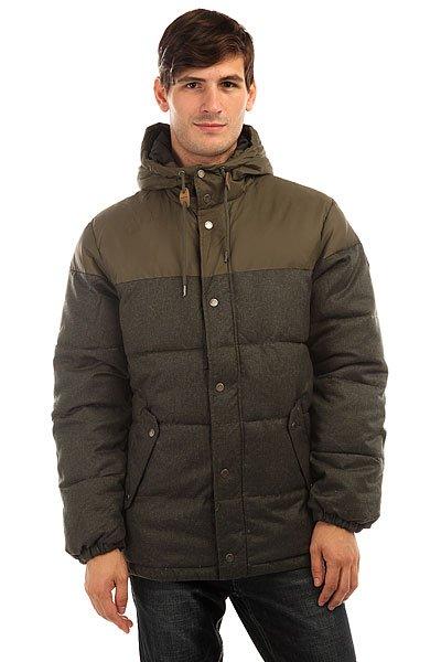 Куртка зимняя Quiksilver Woolmore Forest NightМужская куртка Quiksilver из зимней коллекции одежды.Характеристики:Стандартный крой. Контрастная подкладка.Фиксированный капюшон с регулировкой. Боковые карманы для рук.<br><br>Цвет: зеленый<br>Тип: Куртка зимняя<br>Возраст: Взрослый<br>Пол: Мужской