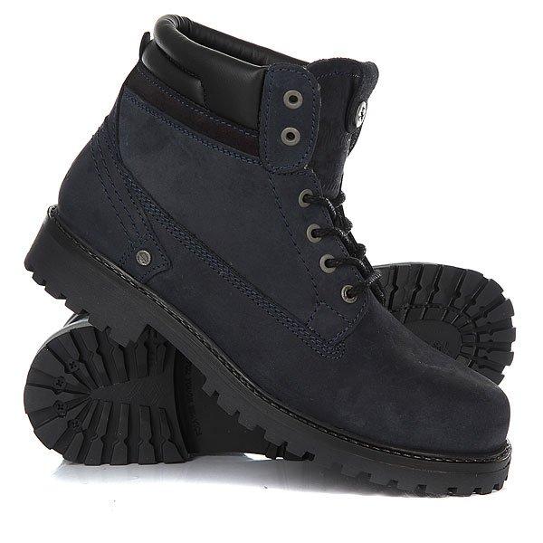 Ботинки зимние Wrangler Yuma Creek Fur NavyОтличные мужские ботинки от Wrangler. Вы можете носить данную модель ранней весной, осенью и зимой. Не взирая на погодные условия, Вы можете наслаждаться как городскими индустриальными пейзажами, так прохладными вечерами вдали от города.Характеристики:Характеристики:Верх из нубука. Утепленная внутренняя отделка из искусственного меха. Цельнокроеный носок.Усиленный смягченный манжет.Классическая круглая шнуровка с тонированными люверсами. Широкий массивный язычок с тиснением. Цепкая прошитая подошва с невысоким каблуком и абразивным протектором.<br><br>Цвет: синий<br>Тип: Ботинки зимние<br>Возраст: Взрослый<br>Пол: Мужской