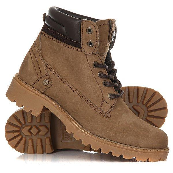 Ботинки зимние женские Wrangler Creek Fur Dark TaupeОтличные женские ботинки от Wrangler. Вы можете носить данную модель ранней весной, осенью и зимой. Не взирая на погодные условия, Вы можете наслаждаться как городскими индустриальными пейзажами, так прохладными вечерами вдали от города.Характеристики:Верх из нубука. Утепленная внутренняя отделка из искусственного меха. Цельнокроеный носок. Усиленный смягченный манжет с кожаной окантовкой.Классическая круглая шнуровка с тонированными люверсами. Широкий массивный язычок с тиснением. Цепкая прошитая подошва с невысоким каблуком и абразивным протектором.<br><br>Цвет: коричневый<br>Тип: Ботинки зимние<br>Возраст: Взрослый<br>Пол: Женский