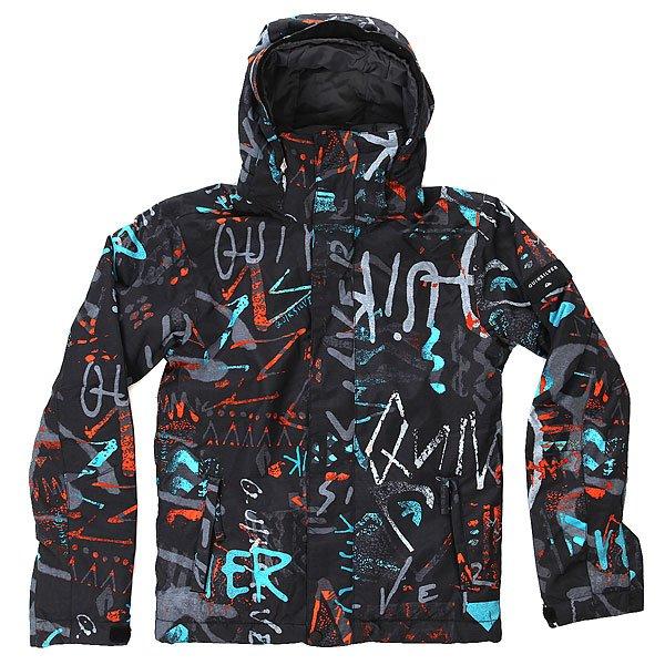 Куртка детская Quiksilver Mission Print Hieline BlueС детской сноубордической курткой Quiksilver Mission Printed Вашему юному райдеру несложно будет подстроиться под самый широкий спектр зимних погодных условий. Она выполнена из технологичной водостойкой ткани DryFlight с мембранными показателями 10 000 мм / 10 000 г и содержит утеплитель Warmflight®, который позаботится об оптимальной температуре тела. Важные детали, такие как снегозащитная юбка, манжеты из лайкры с отверстием для большого пальца и система присоединения куртки к штанам позволят оставаться в сухости и комфорте даже в самый снежный и щедрый на паудер день сезона.Характеристики:Куртка для детей 8-16 лет. Влагостойкая ткань DryFlight 10K (10 000 мм / 10 000 г). Утеплитель Warmflight®: 120 г тело / 100 г рукава / 80 г капюшон. Подкладка из тафты и трикотажа с начёсом. Стандартный крой. Проклеенные критические швы. Снегозащитная юбка. Система присоединения куртки к штанам. Регулируемый капюшон на липучке Velcro.Боковые карманы на молнии. Внутренний карман для маски. Карман для ски-пасса на молнии на рукаве. Регулируемые внешние манжеты на липучке. Манжеты из лайкры с отверстием для большого пальца. Вентиляционные отверстия с сетчатой подкладкой.<br><br>Цвет: черный,мультиколор<br>Тип: Куртка утепленная<br>Возраст: Детский