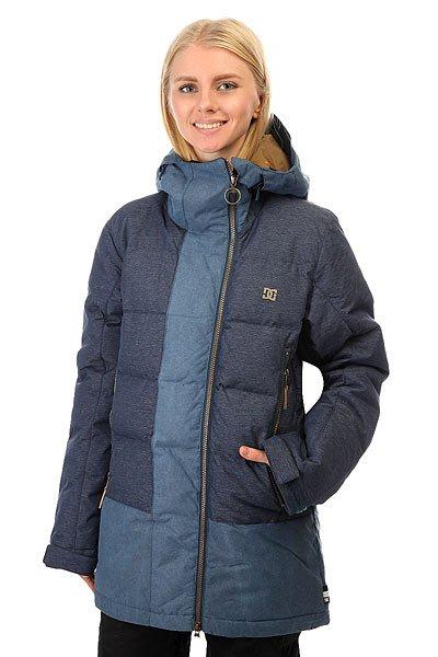 Куртка женская DC Liberty Insignia BlueКуртка DC Liberty - это не только свобода движений, но и свобода катания в любую погоду. Эта куртка готова защитить Вас от ветра, мороза и снега благодаря влагостойкой ткани Exotex 10K и пуховому утеплителю. А в случае потепления Вы сможете просто отстегнуть рукава и получить удобный теплый жилет, который можно надеть на яркую толстовку, получив удобный и стильный верх для катания весной. Характеристики:Влагостойкая мембрана Exotex 10K. Утеплитель: пухHybrid Down (350 гтуловище, 250 гр рукава и капюшон). Подкладка: тафта. Прямой крой. Козырек на капюшоне. Съемные рукава на молнии.Регулировка капюшона в 3 направлениях. Снегозащитная юбка. Манжеты из лайкры. Регулировка манжет на липучке. Карман для ски-пасса на молнии на рукаве.Передние карманы на молнии и клапане. Медиа-карман. Внутренний сетчатый карман. КоллекцияResearch Mountain.<br><br>Цвет: синий<br>Тип: Куртка утепленная<br>Возраст: Взрослый<br>Пол: Женский