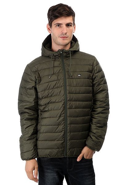 Куртка зимняя Quiksilver Everydayscaly Forest NightСтеганная легкая куртка Quiksilver Everyday Scaly симитацией пухового наполнителя, полиуретановой пропиткой для защиты от дождя и эластичными манжетами и подолом для сохранения тепла и защиты от ветра. Отлично подойдет для неприятной погоды межсезонья, успешно впишется в любой гардероб.Характеристики:Стеганный дизайн с имитацией пухового наполнителя. Полиуретановая пропитка. Застегивается на молнию по всей длине. Карманы для рук на молнии. Эластичные манжеты и подол.Фирменный логотип Quiksilver. Состав: 100% полиэстер.<br><br>Цвет: зеленый<br>Тип: Куртка зимняя<br>Возраст: Взрослый<br>Пол: Мужской