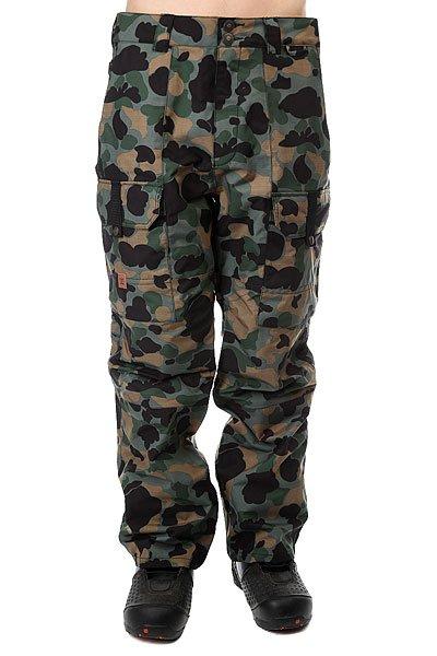 Штаны сноубордические DC Code Pnt Camouflage LodgeМужские сноубордические штаны эргономичного кроя с защитной мембраной EXOTEX 15 дополненные несколькими карманами для согревания рук и хранения различной мелочи.Технические характеристики: Мембрана EXOTEX 15.Теплая и уютная подкладка из тафты.Полностью проклеенные швы.Вентиляция за счет сеточных вставок.Система пристегивания куртки к штанам.Регулировка талии (с изнанки).Эргономичный крой с акцентированной областью колена.Гетры для сноубордического ботинка с водоотталкивающей пропиткой DWR.Вставка на кнопке для регулировки ширины нижней части штанины.Карманы с утепленной подкладкой на молнии.Карманы-карго с защитным клапаном на липучке Velcro.Задние карманы на липучке Velcro.Система утяжки края штанин для предотвращения их износа и загрязнения.<br><br>Цвет: мультиколор<br>Тип: Штаны сноубордические<br>Возраст: Взрослый<br>Пол: Мужской