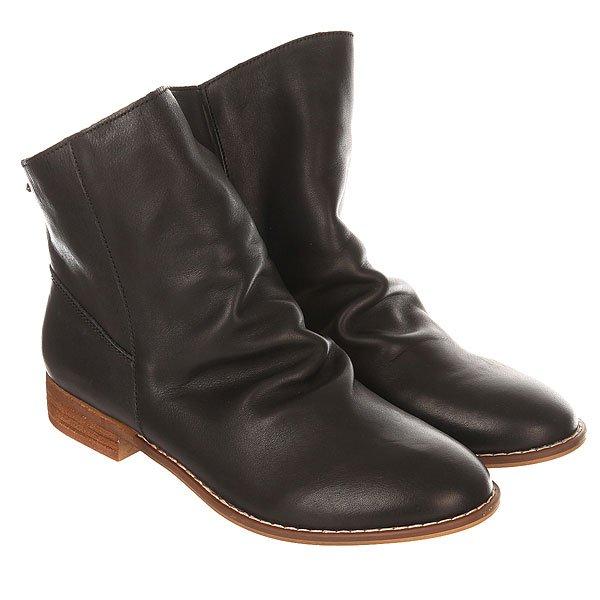 Сапоги демисезонные женские Roxy Leon BlackНизкие женские сапоги из натуральной кожи в модном ассиметричном дизайне.Технические характеристики: Стильный кожаный верх.Подкладка из замши и парусиновая стелька.Ассиметричный дизайн.Цельный носок.Подошва 100% ТЭП.Металлический значок с логотипом Roxy.<br><br>Цвет: черный<br>Тип: Сапоги демисезонные<br>Возраст: Взрослый<br>Пол: Женский