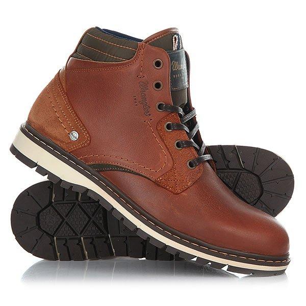 Ботинки высокие Wrangler Miwouk AnthraciteБотинки Wrangler – свобода и энергия! Для уверенно шагающих вперед молодых людей и уже давних поклонников бренда эта невероятно удобная обувь. Кожаные мужские ботинки Wrangler Miwouk от компании Wrangler – это писк этого сезона.Характеристики:Верх из натуральной кожи.Мягкая внутренняя съемная стелька из пенорезины EVA с дополнительным подпяточником.Внутренняя отделка из текстиля.Плоская шнуровка с тонированными металлическими люверсами.Цельнокроеный носок.Гибкая литая резиновая подошва с дополнительной прошивкой и абразивным протектором. Логотип сбоку ботинка.<br><br>Цвет: коричневый<br>Тип: Ботинки высокие<br>Возраст: Взрослый<br>Пол: Мужской