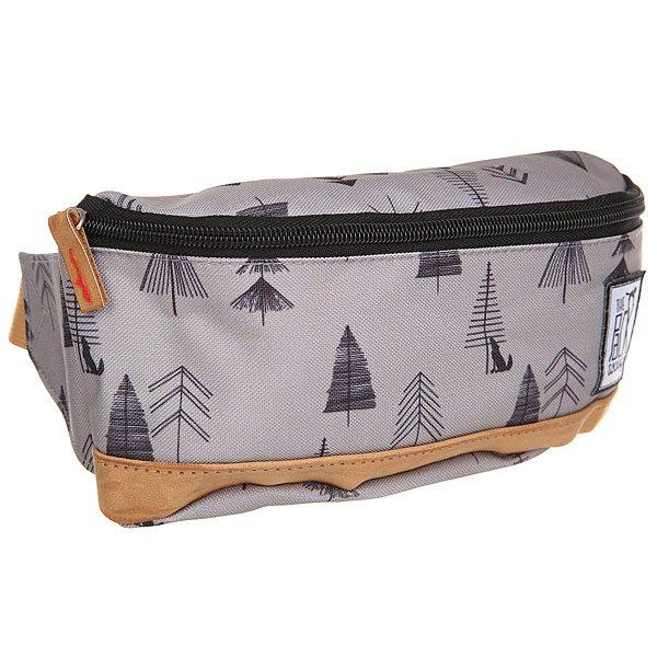 Сумка поясная The Pack Society Bum Bag Grey Tree AlloverСтильная и вместительная поясная сумка The Pack Society – разбавь свою осень стильным принтом.Характеристики:Застежка на молнии.Регулируемый ремешок. Логотип-нашивка.<br><br>Цвет: серый<br>Тип: Сумка поясная<br>Возраст: Взрослый<br>Пол: Мужской