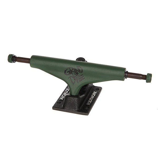 Подвески для скейтборда для скейтборда 2шт. Footwork Grind or Die Black/Green 5.375 (20.6 см)Ширина подвесок: 5.375 (20.6 см)    Высота подвесок: 57 мм    Цена указана за 2 штКлассические подвески для скейтборда от Footwork. Проверенная временем конструкция и традиционная геометрия.Технические характеристики: Материал - алюминий и сталь.Ширина - 13,7 см.Отлично подойдут для деки шириной 21 см - 21,6 см.<br><br>Цвет: зеленый,черный<br>Тип: Подвески для скейтборда<br>Возраст: Взрослый<br>Пол: Мужской