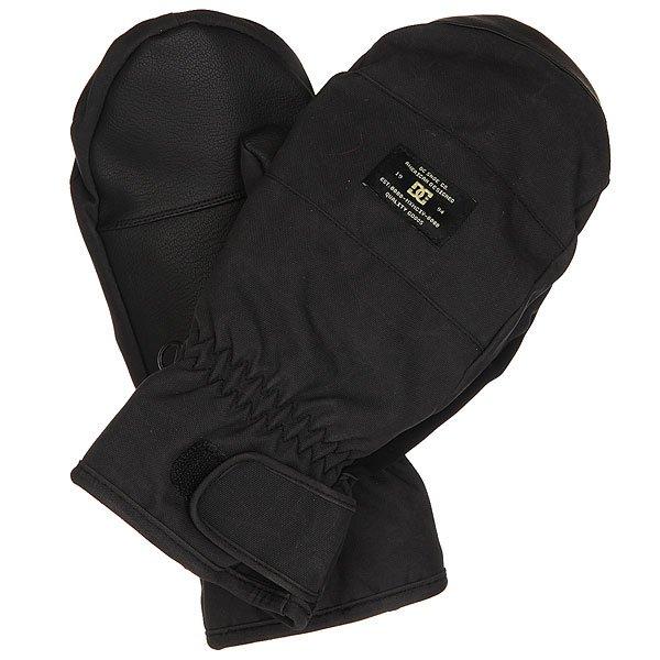 Варежки сноубордические DC Seger Mitt BlackМерзнут руки? Тогда Вы точно не знакомы с этими варежками от DC. Доверьтесь качеству, и Ваши руки скажут Вам спасибо. Водонепроницаемая мембрана, 150 гутеплителя, флисовая подкладка в виде перчатки и надежная фиксация. Все лучшее и ничего лишнего.Характеристики:Мембранный материал 10К.Утеплитель150 г. Регулируемые манжеты на липучке. Вставка для протирания маски на большом пальце. Подкладка в виде перчатки. Регулируемый шнурок.Фирменный логотип. Материал: вощеный полиэстер, полиуретан и замша.<br><br>Цвет: черный<br>Тип: Варежки сноубордические<br>Возраст: Взрослый<br>Пол: Мужской