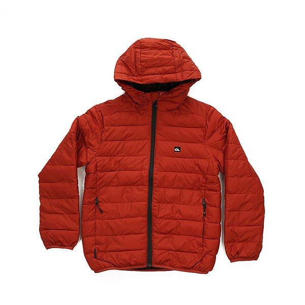 Куртка зимняя детская Quiksilver Scaly Barn RedТонкая и узкая куртка, которую можно носить саму по себе или в качестве подкладки под еще одну куртку. При этом она обработана водонепроницаемой пропиткой DWR, а эластичные манжеты служат дополнительным барьером, который холоду и влаге преодолеть будет непросто.Технические характеристики: Узкий крой.Стеганый дизайн.Утеплитель из синтетического пуха.Полиуретановая пропитка.Фиксированный капюшон.Манжеты и подол с эластичной отделкой.Скрытые карманы для рук на молнии.Застежка на молнии по всей длине.Логотип Quiksilver.<br><br>Цвет: коричневый<br>Тип: Куртка зимняя<br>Возраст: Детский