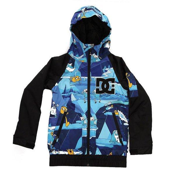 Куртка детская DC Troop Adventure TimeЯркая сноубордическая куртка с мембраной EXOTEX 10 и утеплителем, чтобы мороз, ветер или влага не мешали начинающему райдеру покорять склоны.Технические характеристики: Мембрана EXOTEX 10.Теплая и уютная подкладка из тафты.Утеплитель (тело 120 г, рукава 80 г).Критические швы проклеены.Вставки из сетки для воздухообмена.Фиксированная снежная юбка на кнопках.Система пристегивания куртки к штанам.Удобные внутренние манжеты из лайкры.Манжеты с регулировкой на липучках.Эргономичные рукава.Карманы с утепленной подкладкой.Кармашек на молнии на рукаве.Внутренний карман на липучке Velcro.Внутренний сеточный карман.Эластичная отделка капюшона и подола.<br><br>Цвет: синий,черный<br>Тип: Куртка утепленная<br>Возраст: Детский