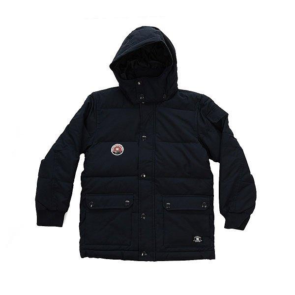 Куртка зимняя детская DC Arctic 3 Blue IrisУтепленная детская куртка с  эластичными трикотажными манжетами и съемным капюшоном. Стеганая конструкция обеспечит комфортное тепло, а удобные накладные карманы вместят все необходимые в пути мелочи.Технические характеристики: Стеганый дизайн.Водостойкая пропитка.Съемный капюшон на кнопках.Накладные карманы для рук и внутренний карман.Дополнительный карман на рукаве.Эластичные трикотажные манжеты.Застежка на молнии с ветрозащитным клапаном на кнопках.<br><br>Цвет: синий<br>Тип: Куртка зимняя<br>Возраст: Детский