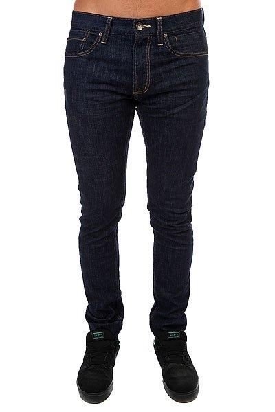 Джинсы узкие Quiksilver Distorsirinse34 RinseУзкие мужские джинсы из эластичного хлопка.Технические характеристики: Хлопок с добавлением эластана.Деним средней плотности.Узкий крой.Традиционные пять карманов.Кожаная нашивка на поясе с логотипом Quiksilver.Декоративные тональные полоски-заломы.<br><br>Цвет: синий<br>Тип: Джинсы узкие<br>Возраст: Взрослый<br>Пол: Мужской