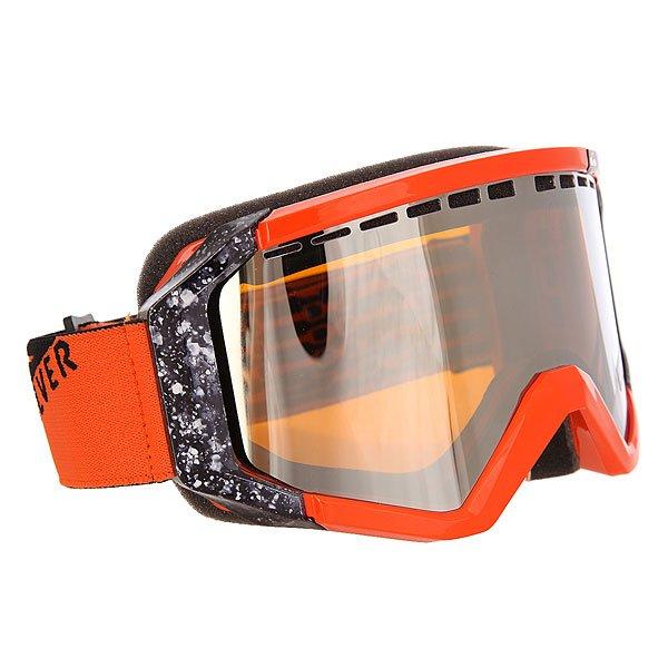 Маска для сноуборда Quiksilver Q1 FlameМужская маска Quicksilver Q1. Характеристики:100% защита от ультрафиолета. Прочная полиуретановая оправа. Цилиндрические поликарбонатные/ацетатные двойные линзы с защитой от царапин, повреждений и запотевания. Хорошая вентиляция благодаря перфорации линз. Пенная трехслойная прослойка с флисовой подкладкой для максимального комфорта. Боковые клипсы позволяют крепить маску к шлему. Поставляется в защитном чехле, в котором удобно транспортировать маску, а также протирать ее.<br><br>Цвет: оранжевый<br>Тип: Маска для сноуборда<br>Возраст: Взрослый<br>Пол: Мужской
