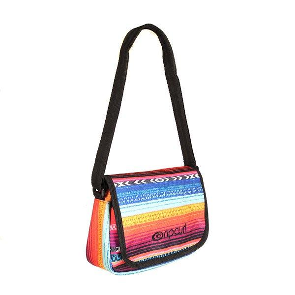 Сумка через плечо женская Rip Curl Lolita Shoulder Bag MulticoДа, у Вас есть клатч. Да, у Вас есть повседневная вместительная сумка. Да, и не одна. Но ведь сумок никогда не бывает много, правда? Тем более когда нужно что-то небольшое, компактное и удобное. Характеристики:Женская сумка через плечо. Яркий рисунок. Основное отделение на молнии. Регулируемый плечевой ремень.ЛоготипRip Curl на фронтальной части.<br><br>Цвет: мультиколор<br>Тип: Сумка через плечо<br>Возраст: Взрослый<br>Пол: Женский