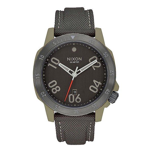 Электронные часы Nixon Ranger Nylon Sage GunmetalМодель, вдохновленная милитари стилем, выполнена из высококачественных долговечных материалов, чтобы стать надежным спутником во всех Ваших приключениях. Строгий безель с четкими цифрами гармонично дополняет лаконичный читаемый циферблат, а нейлоновый ремешок, усиленный кожаной вставкой в местах наибольшей нагрузки, гармонично завершает общий силуэт.Характеристики:Механизм:Японский кварцевый механизмMiyota. 3 стрелки. Отображение даты около 6-часовой отметки.Настроечная головка около 4-часовой отметки.Корпус:Водонепроницаемый корпус 10 АТМ (до 100 м).Антибликовое покрытие стекла. Закаленное минеральное стекло.Однонаправленный безель из нержавеющей стали. Гальваническая окантовка из нержавеющей стали. Задняя крышка на винтах из нержавеющей стали. Двойная прокладка головки.Браслет:Нейлоновый ремешок, усиленный в области отверстий кожаной вставкой. Пряжка из нержавеющей стали.<br><br>Цвет: черный,белый<br>Тип: Электронные часы<br>Возраст: Взрослый<br>Пол: Мужской