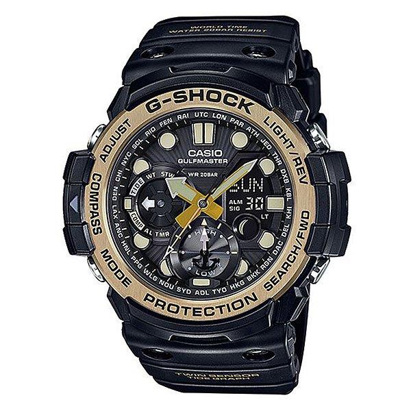 Электронные часы Casio G-shock Premium Gn-1000gb-1aВсе преимущества ударопрочных и водостойких часов в исполнении премиум-класса. Цифроаналоговая модель из серии GULFMASTER к традиционному многофункциональному набору имеет датчики компаса и термометра.Характеристики:Отображение графика приливов/отливов и фаз Луны Кварцевый механизм, модуль 5443, с двойной цифро-аналоговой индикацией на жидкокристаллическом дисплее и при помощи центральных стрелок. Элемент питания - 2 батареи SR927W, рассчитанные на 2 года работы. Точность хода не хуже +/-15 секунд в месяц. Полностью автоматическая светодиодная LED-подсветка дисплея активируется как при нажатии соответствующей кнопки, так и при подъеме и повороте руки при недостаточной освещенности. Цифровой компас указывает направление на Север, точность измерений - 1°. Калибровка и учет магнитного склонения. Термометр измеряет температуру окружающей среды в диапазоне от –10 до 60°C (14 - 140°F), точность измерений - 0.1°C (0.2°F).Индикация лунных фаз. График приливов с указанием уровня для данной даты и времени. Отображение времени в 29 часовых поясах с обозначением основных городов в этих временных зонах. Секундомер с точностью показаний 1/100сек и максимальным временем измерения 1 час. Таймер обратного отсчета с функций повтора, рассчитанный на время до 1 часа. С функцией автоповтора. Ежечасный сигнал и 5 ежедневных будильников, один с функцией повтора «snooze». Автоматический календарь не требует дополнительных настроек и показывает дату, день недели и месяц, которые могут быть настроены вплоть до 2099 года. Отображение текущего времени в 12 или 24-часовом формате. Включение/выключение звука кнопок. Изменение положения стрелок так, чтобы они не закрывали жидкокристаллический дисплей и вспомогательные индикаторы.Комбинированный корпус с фирменной для G-Shock конструкцией из полимерного кожуха и стального внутреннего контейнера из нерж. стали. Безель из нержавеющей стали с IP-покрытием. Минеральное стекло устойчивое к возникновени