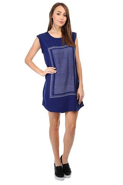 Платье женское Roxy Sun Blue PrintМилое легкое платье лаконичного кроя, дополненное геометрическим принтом на груди, готово стать выигрышным вариантом для похода на вечеринку или для непринужденной прогулки по городу. Характеристики:Принт на груди. Платье выше колена.Подвернутый рукав.<br><br>Цвет: синий<br>Тип: Платье<br>Возраст: Взрослый<br>Пол: Женский