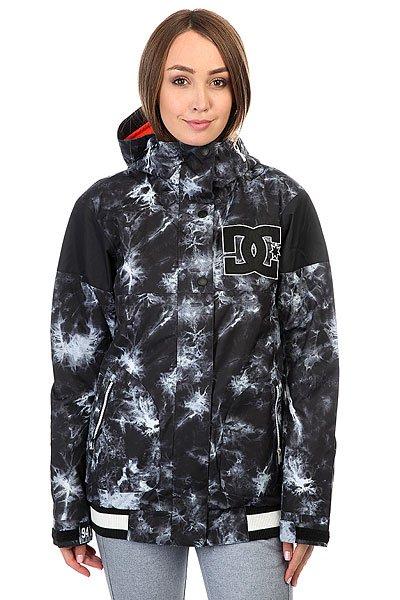 Куртка женская DC Dcla Tie DyeСноубордическая куртка в стиле колледж-толстовок готова освежить Ваш снежный лук и защитить от ветра и непогоды благодаря влагостойкой ткани Exotex 10K и утеплителю. В DC DCLA Вам будет обеспечена свобода движений, защита от снега и яркий динамичный образ, а удобные внутренние и внешние карманы на молнии вместят все необходимые мелочи от наличности и телефона до сноубордической отвертки.Характеристики:Влагостойкая тканьExotex 10K.Утеплитель 80 гр туловище, 40 гр рукава. Подкладка: тафта. Прямой крой.Проклеенные в стратегических местах швы. Вентиляционные сетчатые карманы подмышками. Регулировка капюшона в 3 направлениях. Снегозащитная юбка.Манжеты из лайкры. Регулировка манжет на липучке. Эластичный контрастный подол. Карман для ски-пасса на молнии на рукаве. Передние карманы на молнии. Медиа-карман. Внутренний сетчатый карман. Внутренний карман на липучке. Нашивка с логотипом на груди. КоллекцияFoundation.<br><br>Цвет: мультиколор<br>Тип: Куртка утепленная<br>Возраст: Взрослый<br>Пол: Женский