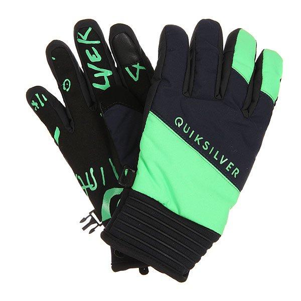 Перчатки сноубордические детские Quiksilver Method Andean ToucanДетские пайповые перчатки с эластичными неопреновыми манжетами, придающими удобства и подвижности. Эргономичная предварительно формованная конструкция обеспечивает максимальный комфорт при любом положении рук, а силиконовый принт на ладони добавляет цепкости при выполнении грэбов. 60 г утеплителя и влагостойкие материалы верха не дадут рукам замерзнуть и промокнуть, а регулируемые манжеты на липучке защитят от попадания снега внутрь перчаток.Характеристики:Утеплитель Warmflight® 60 г.Предварительно формованная конструкция. Вставка для протирания маски на большом пальце. Регулируемые манжеты из неопрена на липучках. Силиконовый принт на ладони. Ладонь из полиуретанового кожзаменителя. Эластичный лиш.<br><br>Цвет: черный,зеленый<br>Тип: Перчатки сноубордические<br>Возраст: Детский