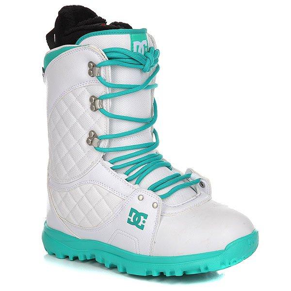 Ботинки для сноуборда женские DC Karma WhiteDC Karma сочетают в себе ключевые особенности: комфорт конструкции и удобство традиционной системы шнуровки, позволяющей точно отрегулировать теплые и стильные ботинки, которые выглядят так же хорошо, как и сохраняют ценное тепло. Мягкая ворсистая флисовая отделка внутренника добавит комфорта, а демпфирующая удары стелька из вспененного материала EVA в сочетании с легкой подошвойUnilite™ защитит стопы от жестких приземлений. Характеристики:Традиционная шнуровка. Подошва из вспененного материалаUnilite™.Внутренник с ворсистой флисовой отделкой RED.Стелька из вспененного материала EVA Snow Basic. Пяточная петля. Нашивка с фирменным логотипом на язычке. Нанесенный сбоку фирменный логотип.Металлические крючки шнуровки.<br><br>Цвет: белый<br>Тип: Ботинки для сноуборда<br>Возраст: Взрослый<br>Пол: Женский
