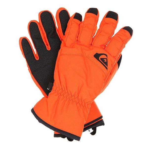 Перчатки сноубордические Quiksilver Cross Glove FlameМужские сноубордические перчатки с непромокаемым верхом и утеплителем Warmflight®, которые обеспечат Вам сухость, тепло и комфорт в течение всего дня на склоне. Полиуретановая вставка на ладони увеличит износостойкость и придаст цепкости при захвате грэбов, а замшевая панель на большом пальце поможет быстро и качественно протереть линзу маски или объектив камеры. Характеристики:Утеплитель Warmflight® 170 г. Предварительно формованная модель. Вставка для протирания маски на большом пальце. Регулируемые манжеты на липучках. Ладонь из полиуретанового кожзаменителя. Эластичный лиш.<br><br>Цвет: оранжевый<br>Тип: Перчатки сноубордические<br>Возраст: Взрослый<br>Пол: Мужской