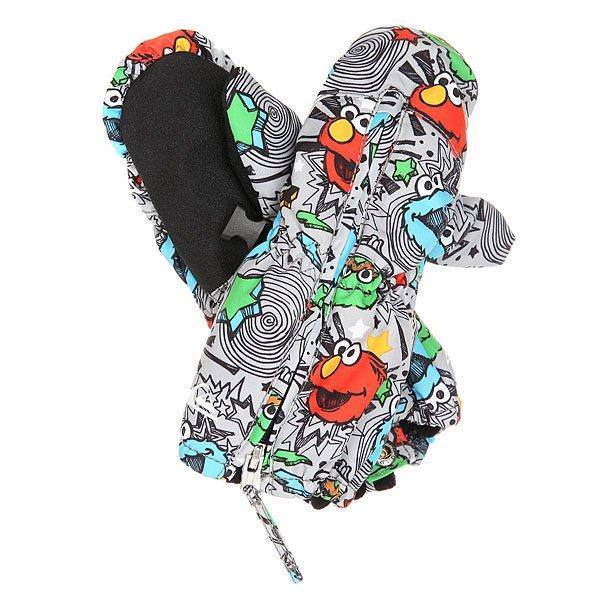 Варежки сноубордические детские Quiksilver Indie Sesame Street OscarТеплые непромокаемые варежки для самых маленьких любителей снега. Удобная длинная молния почти на всю длину ладошки, чтобы Вам легко было надеть на ручку Вашего малыша эти варежки, система крепления к куртке и мягкие резинки, надежно фиксирующие варежки на месте. Ну а дизайн с героями Улицы Сезам точно понравится всем, вне зависимости от возраста. Характеристики:Утеплитель: 130 г. Полиуретановая вставка под кожу на ладошках. Длинные манжеты, защищающие от попадания снега.Длинная молния для удобного надевания. Система фиксации варежки.<br><br>Цвет: серый,мультиколор<br>Тип: Варежки сноубордические<br>Возраст: Детский