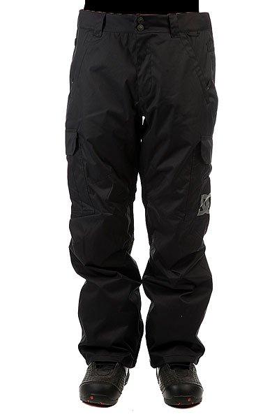 Штаны сноубордические DC Banshee BlackСноубордические штаны с карманами-карго и мембраной 10000 на 5000. На самом деле, эта модель уже давно присутствует в коллекциях компании DC и пользуется большой популярностью благодаря шикарному соотношению цены и качества. Проклеенные швы, немного утеплителя (40 г) и эргономичный крой - все это позволит Вам кататься в них с комфортом в любую погоду и в любом месте.Характеристики:Влагостойкая ткань Exotex 10K. Стандартный крой. Проклеенные критические швы. Сетчатая подкладка в зонах вентиляции.Подкладка из тафты. Снегозащитные гетры. Встроенная регулировка талии. Застежка на пуговицах. Крючок на манжете для крепления к ботинку. Петли для крепления штанов к куртке. Карманы для рук на молнии. Эргономичный крой в районе коленей. Два вместительных боковых кармана. Два задних кармана на липучке Velcro.<br><br>Цвет: черный<br>Тип: Штаны сноубордические<br>Возраст: Взрослый<br>Пол: Мужской