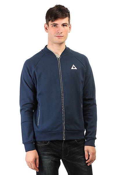 Бомбер Le Coq Sportif Rayure Veste Dress BluesИдеальное воплощение изысканного французского стиля и классики, куртка, в которой сочетается спорт и шик.Технические характеристики: Мягкий трикотаж премиум качества.Без подкладки.Эластичный воротник, манжеты и подол.Два передних кармана с контрастной отделкой.Застежка на молнии.<br><br>Цвет: синий<br>Тип: Бомбер<br>Возраст: Взрослый<br>Пол: Мужской