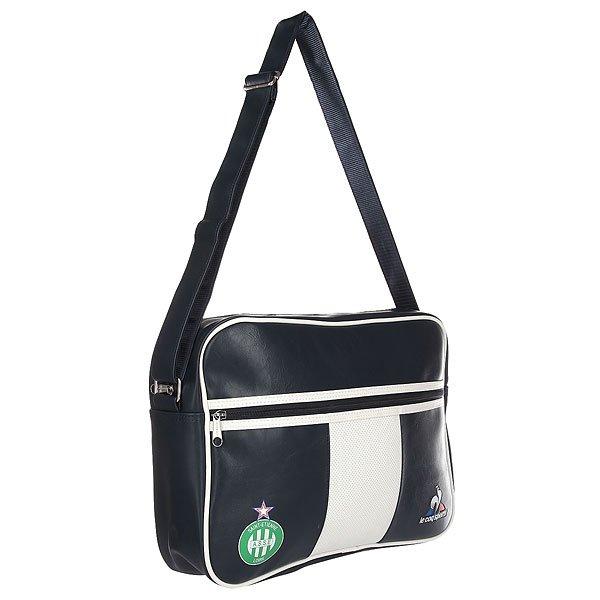 Сумка через плечо Le Coq Sportif Asse Reporter Bag EclipseСтильная сумка-портфель от бренда Le Coq Sportif.Характеристики:Верх из искусственной кожи. Внутренняя подкладка из хлопка. Застежка – молния. Фиксированная регулируемая широкая ручка для ношения сумки через плечо. Лицевой карман на молнии. Логотип на лицевой стороне сумки. Форм-фактор – сумка-портфель (Messenger Bag).<br><br>Цвет: синий<br>Тип: Сумка через плечо<br>Возраст: Взрослый<br>Пол: Мужской
