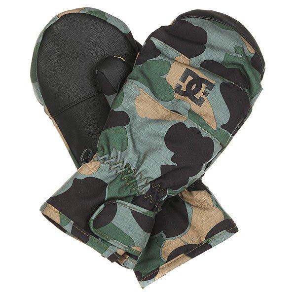 Варежки сноубордические DC Seger Camouflage Lodge MenУтепленные сноубордические варежки Seger.Технические характеристики: Утеплитель 150 г.Водостойкая мембранная вставка 10K.Регулируемые манжеты на липучке Velcro.Замшевая вставка для протирки маски на большом пальце.Цельная подкладка, включая пальцы.Регулируемый лиш.<br><br>Цвет: черный,зеленый,коричневый<br>Тип: Варежки сноубордические<br>Возраст: Взрослый<br>Пол: Мужской