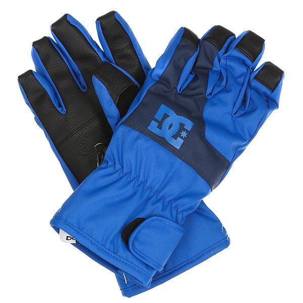 Перчатки сноубордические детские DC Seger Nautical BlueОставаться не только в тепле, но и на связи позволят перчатки DC Seger, снабженные совместимой с сенсорными экранами вставкой на указательном пальце. Помимо утеплителя перчатки снабжены влагостойким слоем с показателем 10000мм, который позволит рукам оставаться в сухости и тепле, а классический дизайн позволит сочетатьсяDC Seger с любыми катальными куртками и штанами.Характеристики:Утеплитель 150г. Влагостойкая вставка 10000мм. Совместимое с сенсорными экранами покрытие на указательном пальце. Регулируемые на липучке манжеты. Замшевая вставка на большом пальце. Фирменный логотип на фронтальной стороне.<br><br>Цвет: синий,черный<br>Тип: Перчатки сноубордические<br>Возраст: Детский