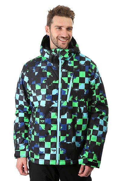 Куртка Quiksilver Mission Plus Waxdotcamo CheckМужская сноубордическая куртка Mission Plus, в которой сочетаются современные технологии и стильный дизайн. Мембрана DryFlight® 10К и утеплитель Warmflight® обеспечат тепло и комфортное катание в течении всего дня. Можете быть уверены что снег, ветер и непогода не помешают Вам получить максимум удовольствия.Технические характеристики: Синтетический Оксфорд.Утеплитель Warmflight® (тело 140 г, капюшон 80 г, рукава 100 г).Подкладка из тафты.Непринужденный крой, который обеспечивает максимальный комфорт и свободу передвижения.Критические швы проклеены.Вентиляционные отверстия на молнии с сеточной подкладкой.Регулируемый капюшон.Внутренние эластичные манжеты.Внешние манжеты с регулировкой на липучках.Карманы для рук.Карман для скипасса.Внутренний карман для маски.Фиксированная снежная юбка на кнопках.Система пристегивания куртки к штанам.Брелок для ключей.Подол на утяжке для защиты от ветра.<br><br>Цвет: зеленый,черный,голубой<br>Тип: Куртка утепленная<br>Возраст: Взрослый<br>Пол: Мужской