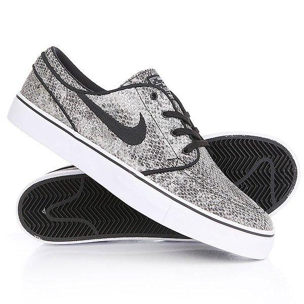 Кеды кроссовки низкие Nike Zoom Stefan Janoski Prem Txt Black White Green GlowМужская обувь для скейтбординга Nike SB Zoom Stefan Janoski Premium с верхом, имитирующим кожу змеи, обеспечивает амортизацию и сцепление с доской, характерные для обуви Janoski.Технические характеристики: Прочный верх, имитирующий кожу змеи, обеспечивает воздухопроницаемость, сохраняя стильный классический обтекаемый профиль.Литая стелька и вставка Nike Zoom Air в области пятки обеспечивают уверенное сцепление с доской и надежную защиту от ударных нагрузок при жестком приземлении.Декоративная строчка играет роль подсказки по расположению стопы на доске.Технология термической обработки позволяет получить единую конструкцию из подошвы и верха для более удобной посадки.Подошва из липкой резины с зигзагообразным рисунком обеспечивает надежное сцепление с различными видами поверхности.<br><br>Цвет: серый<br>Тип: Кеды низкие<br>Возраст: Взрослый<br>Пол: Мужской