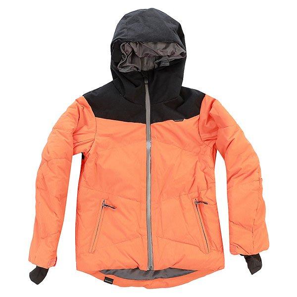 Куртка детская Quiksilver Ultimate FlameСвежий лаконичный дизайн, разбавленный контрастными влагостойким молниямиYKK® Aquaguard®, и невероятно теплый наполнитель3M™ Thinsulate™ FEATHERLESS 300 г, имитирующий пух, но гораздо более долговечный в эксплуатации - куртка Quiksilver Ultimate рождена для высоких гор, большого снега и сильно отрицательных температур. Удобные продуманные карманы позволят захватить с собой на склон самые необходимые вещи, а дополнительные эластичные манжеты, съемная снегозащитная юбка и дышащая мембранная тканьDryFlight 15k позволят проводить дни на склоне с невероятным комфортом, забыв о ненастье, ветре и метелях.Характеристики:Влагостойкая дышащая мембранная ткань DryFlight 15000 г/м2. Утеплитель:3M™ Thinsulate™ FEATHERLESS 300 г, имитирующий пух. Крой Slim Fit, обеспечивающий плотную посадку. Влагостойкие контрастные молнииYKK® Aquaguard®.Проклеенные в стратегических местах швы.Регулируемый капюшон. Высокий ворот. Вентиляционные карманы на молнии с сетчатой подкладкой. Система крепления куртки к штанам. Мягкое покрытие верхней внутренней части ворота для защиты подбородка. Внутренний сетчатый карман для маски с тканью для протирки маски. Медиакарман. Нагрудный карман с вертикальной молнией. Карман на рукаве для ски-пасса на молнии. Карманы для рук на молнии.Съемная снегозащитная юбка. Утягивающийся подол. Карабин для ключей в кармане. Фирменный логотип на рукаве. Дополнительные внутренние эластичные манжеты. Регулирующиеся манжеты на липучке. Подкладка: легкая тафта с сетчатыми вставками.<br><br>Цвет: черный,оранжевый<br>Тип: Куртка утепленная<br>Возраст: Детский