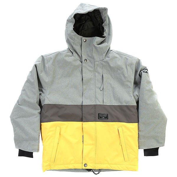 Куртка детская Billabong Icicle GreyДетская катальная куртка, выполненная в спокойных тонах, дополненная чистыми лаконичными линиями и способная стать достойной составляющей надежной экипировке на склоне. Влагостойкая дышащая мембрана в сочетании с утеплителемPolyfill станет надежной защитой от ветра и талого снега, а снегозащитная юбка и регулируемые на липучке манжеты предотвратят попадание снега внутрь. Приятным бонусом для родителей юного райдера станет система ростаGROROOM благодаря которой куртка сможет быть использована далеко не один сезон. Характеристики:Детская куртка с системой ростаGROROOM. Мембранная дышащая влагостойкая ткань с показателями 10000мм / 5000г/м2. Утеплитель: Polyfill (100г туловище, 80г рукава). Подкладка: тафта.Регулируемый капюшон. Прямой крой. Швы проклеены в стратегических местах. Отделка внутренней части ворота микрофлисом. Утягивающийся подол.Фиксированная снегозащитная юбка. Карман для ски-пасса на рукаве на молнии.Внутренний медиа-карман. Капюшон со встроенным эластичным гейтором.Внутренние эластичные манжеты. Регулируемые на липучках манжеты.Вертикальный карман на молнии. Два кармана для рук на молнии.Нашивка с фирменным логотипом.<br><br>Цвет: серый,желтый<br>Тип: Куртка утепленная<br>Возраст: Детский