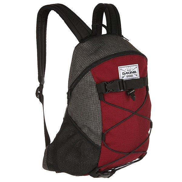 Рюкзак спортивный Dakine Wonder WillametteКомпактный городской рюкзак, который будет как нельзя кстати в тех ситуациях, когда нет необходимости брать много вещей. Стрепы для крепления доски позволят взять с собой лонгборд или скейт, а фиксирующая резинка пригодится для удобного крепления, например, верхней одежды. Практичный вариант для повседневной жизни.Характеристики:Просторное основное отделение. Карман для солнцезащитных очков. Боковые сетчатые карманы. Фиксирующая резинка.Регулируемые плечевые ремни. Удобная ручка для переноски в руке.Регулируемые ремни для переноски доски. Регулируемый поясной ремень.<br><br>Цвет: бордовый,серый<br>Тип: Рюкзак спортивный<br>Возраст: Взрослый