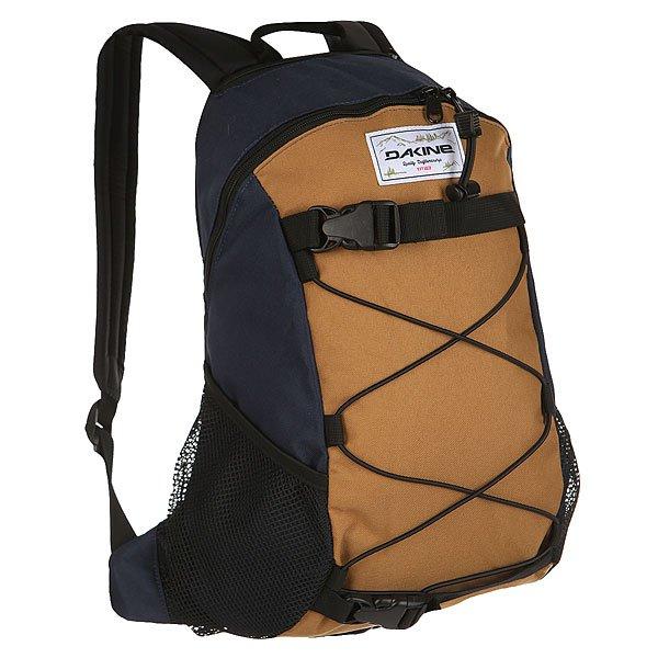 Рюкзак спортивный Dakine Wonder BozemanDakine Wonder - небольшой компактный рюкзак для прогулок, путешествий, спорта или учебы. В рюкзак поместится папка формата A4, пенал, книги и все необходимые вещи.Технические характеристики:Материал - полиэстер 600D.Вместительное основное отделение на молнии.Крепление для пледа или вещей.Скейтовые ремни.Сетчатые боковые карманы.Карман для очков с флисовой подкладкой.Эргономичные плечевые ремни.<br><br>Цвет: синий,коричневый<br>Тип: Рюкзак спортивный<br>Возраст: Взрослый