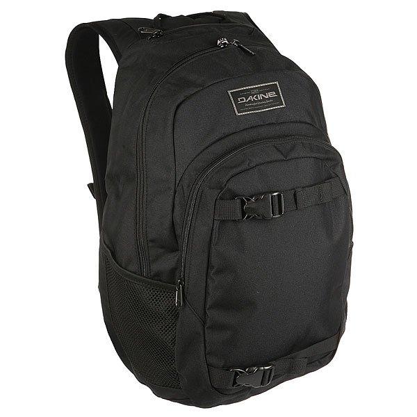 Рюкзак спортивный Dakine Point Wet/Dry BlackСтильный, вместительный городской рюкзак, выполненный в лучших традициях качества Dakine. В водонепроницаемое отделение можно положить бордшорты и купальник после катального дня, и другие вещи останутся в целости и сохранности. Все остальные отделения и карманы расположены таким образом, чтобы Вы легко могли достать вещи, которые необходимы. Практично и стильно - все, что нужно любому райдеру!Характеристики:Просторное основное отделение.Водонепроницаемое отделение. Регулируемые ремни для переноски доски.Внешний карман органайзер на молнии. Внутреннее отделение с флисовой подкладкой для очков. Сетчатые боковые карманы. Эргономичные регулируемые плечевые лямки.<br><br>Цвет: черный<br>Тип: Рюкзак спортивный<br>Возраст: Взрослый
