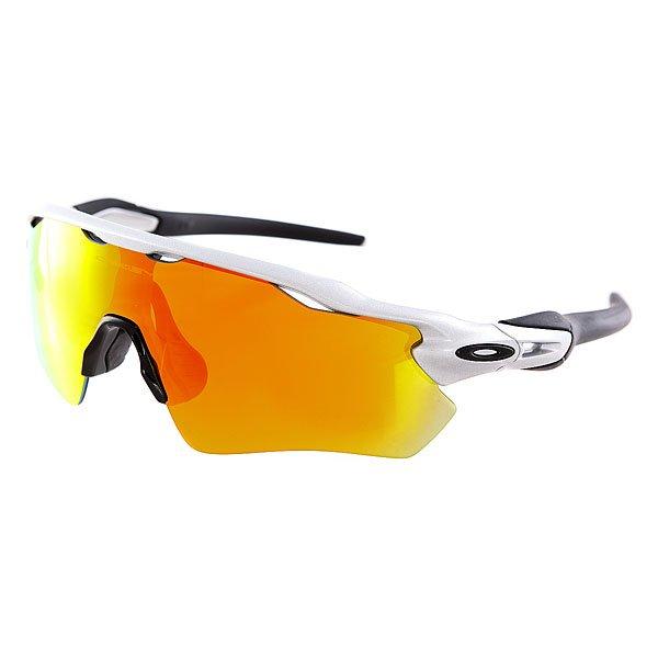 Очки Oakley Radar Ev Silver/Fire Iridium<br><br>Цвет: серый,черный<br>Тип: Очки<br>Возраст: Взрослый<br>Пол: Мужской